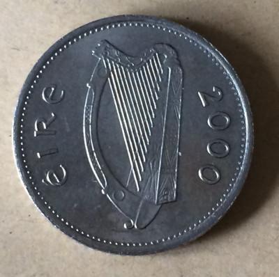 Irlanda 10 pence 2000 foto