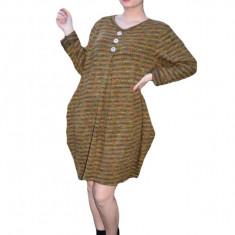 Rochie Anda casual din tricot,cu imprimeu multicolor si nasturi,nuanta de maro