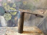 Scule si Unelte vechi - Unealta din metal pentru sindrila cu maner din lemn !, Statuete