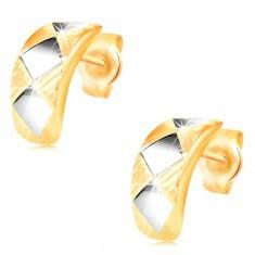 Cercei din aur de 14K – arc strălucitor cu romburi din aur alb și crestături