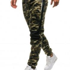 Pantaloni joggers sportivi pentru bărbat camuflaj-verzi Bolf QN269
