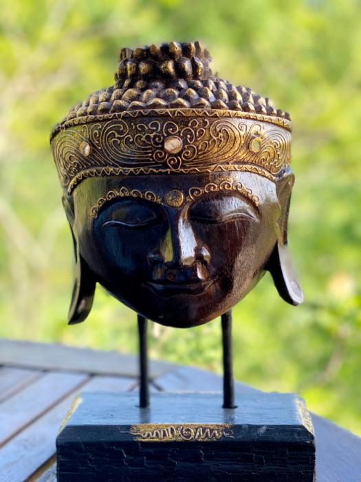 Stand Serenity Buddha, M