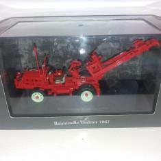 Macheta tractor Raimundle Traktor - 1967 scara 1:43