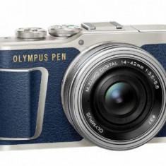 Aparat Foto Mirrorless Olympus E-PL8 Pancake Zoom Kit, Body, 17.2 MP, Filmare 4K + Obiectiv EZ-M1442, 14-42mm (Albastru)