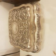 Cutie bijuterii argintata