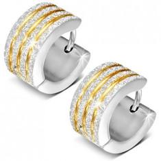 Cercei verigă, argintii, suprafaţă sablată, striaţii aurii