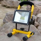Proiector portabil cu acumulator, LED 30 W se-008h