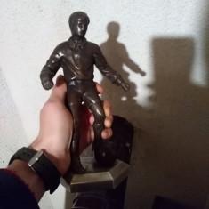 Statueta veche, fotbalist, Statuete