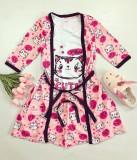 Cumpara ieftin Set pijama dama 3 piese alcatuit din maieu + pantaloni scurti + halat roz cu imprimeu Cute Kitty