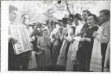 B444 Fotografie petrecere lautari nunta poza veche interbelica romaneasca