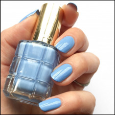 Lac de unghii L'Oreal Paris Color Riche Vernis a L'Huile 668 Bleu Royale 13.5ml