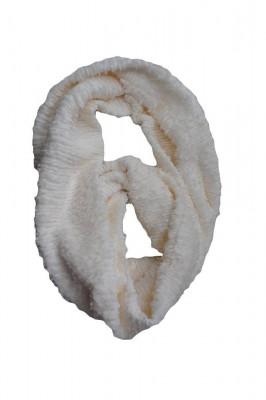 Esarfa rafinata de iarna cu forma circulara, de culoare alba foto