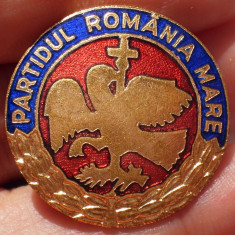 I.990 INSIGNA ROMANIA PARTIDUL ROMANIA MARE 26mm email