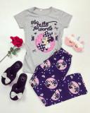 Pijama dama ieftina bumbac lunga cu pantaloni lungi bleumarin si tricou gri cu imprimeu MM Too Cute
