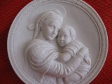 SCULPTURA IN MARMURA DE CARRARA ITALIA TABLOU BRADEX 3 D - MADONA DE RAFAEL, Religie, Europa