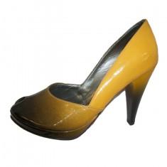 Pantof elegant, nuanta de galben, model in degrade