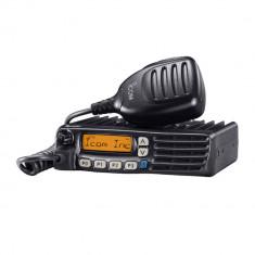 Aproape nou: Statie radio UHF ICom IC-F6022 400-470 MHz programabila pe PC, 128 can