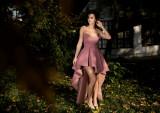 Cumpara ieftin Rochie de ocazie scurta, cu trena, din brocard, culoare roz prafuit AGB015