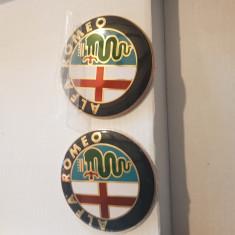 Emblema Alfa Romeo rosu-crom  portbagaj sau capota