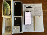 IPhone XS 64GB Neverlocked + Apple Leather Case Bonus