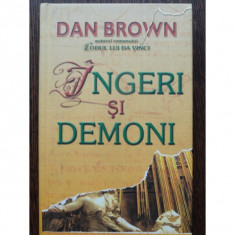INGERI SI DEMONI, Dan Brown 2004