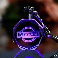 Breloc din cristal cu leduri Nissan