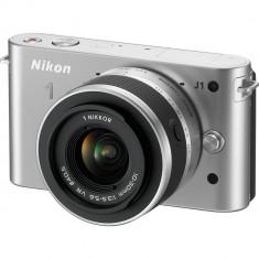 Camera foto digitala NIKON 1 J1 Mirrorless  with 10-30mm VR Zoom Lens (Silver)