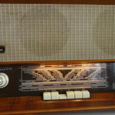 Aparat radio pe lampi  Tomis
