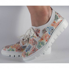 Pantofi perforati multicolori (cod 028462)