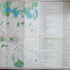 București, 2 hărți color, Zona centrală, Cu indicații turistice