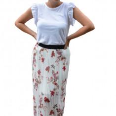 Fusta Eveline cu imprimeu flower, plisata, nuanta de alb