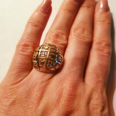 Inel din aur alb si galben 14K, cu plăcuțe decupate