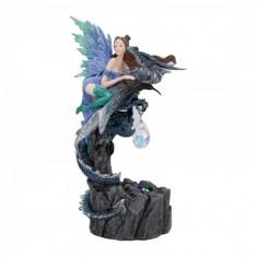 Statueta zana si dragon cu cristal In siguranta 21 cm