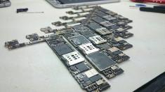 Placa de baza IPHONE. Reparatii IPHONE 5,6,7,8,X.Preturi accesibile. Reparatii in toată tara. foto