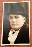 Portret de barbat. Fotografie datata 1935 - Studio Robert, Bucuresti