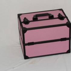 Geanta make up metalica model roz