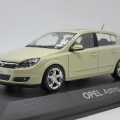 Macheta Opel Astra H Minichamps 1:43