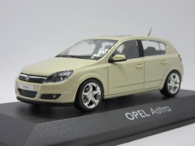 Macheta Opel Astra H Minichamps 1:43 foto