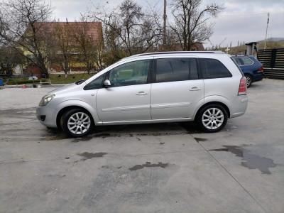 Opel zafira foto