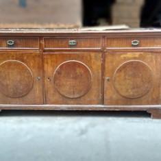 Bufet vechi din lemn masiv Mobila Stil