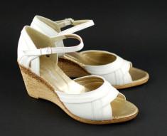 Sandale dama albe, din piele naturala cu platforma S105A - Made in Romania foto