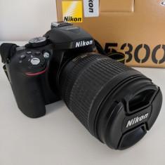 Nikon D5300+Obiectiv Nikkor 50mm 1.8+Nikkor 18-105mm+Blitz NikonSB700