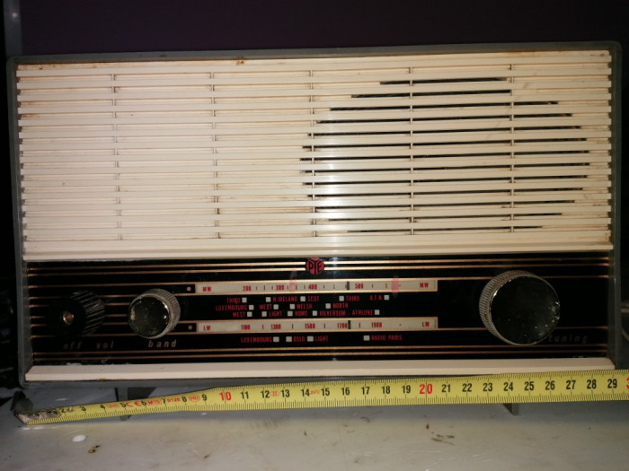 Aparat radio  (pe lampi ) marca -Pye