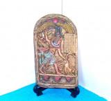Basorelief ceramica replica scut votiv - Tutankhamon ucigand leul - ISIS KUNST