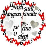 Ceas personalizat, cu fluturasi rosii, rama foto in forma de inimioare, personalizat, cadou nasi, culoare alb – FEIS045