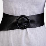 Curea neagra din piele naturala cu latime de 7 cm, catarama rotunda imbracata in piele