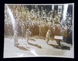 DEZINFECTAREA TERENULUI IN FATA GARII DE NORD , DUPA SIMULAREA UNUI ATAC AERIAN , FOTOGRAFIE DE IOSIF BERMAN , MONOCROMA, PERIOADA INTERBELICA
