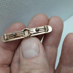 Brosa antica placata cu aur roz