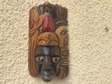 Masca veche balineza,sculptata in lemn