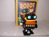 Bnk jc China - Robot - cu mecanism - in cutie